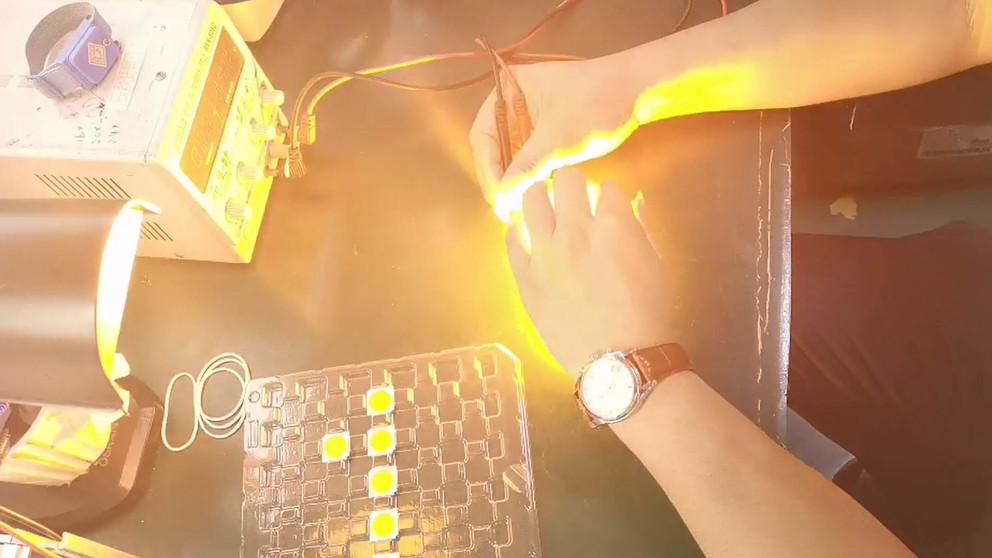 1800-2000K COB LED